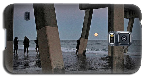 Galaxy S5 Case featuring the photograph Full Moon At Johnnie Mercer's Pier by Phil Mancuso