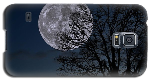 Galaxy S5 Case featuring the photograph Full Moon Rising by Dennis Bucklin