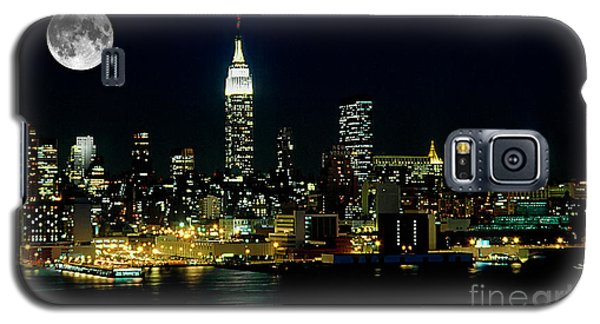 Full Moon Rising - New York City Galaxy S5 Case by Anthony Sacco