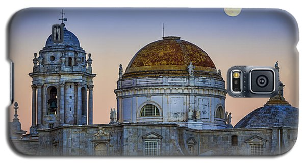 Full Moon Rising Over The Cathedral Cadiz Spain Galaxy S5 Case