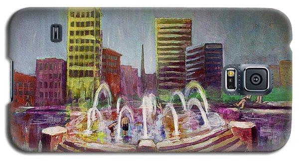 Fun In The Fountain In Asheville Galaxy S5 Case by Gray  Artus