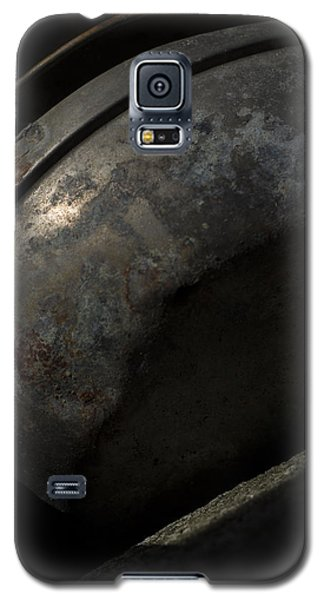Galaxy S5 Case featuring the photograph Galaxy In A Galvanized Pan by Rebecca Sherman