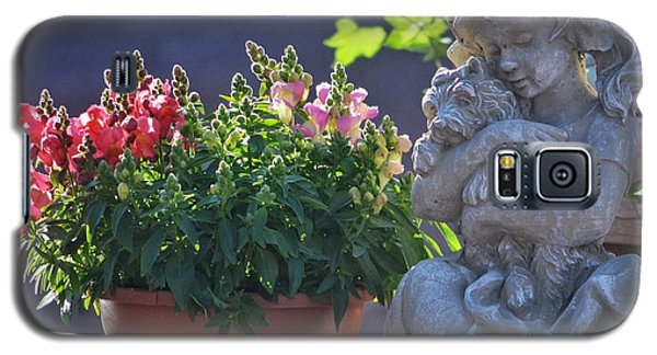 Galaxy S5 Case featuring the photograph Garden Statue by Penni D'Aulerio