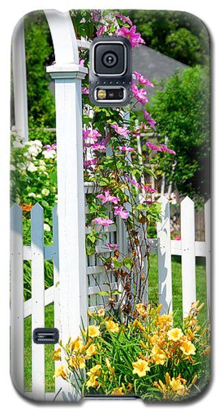 Garden With Picket Fence Galaxy S5 Case