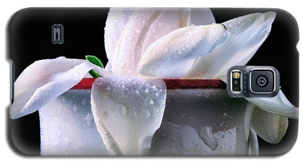 Galaxy S5 Case featuring the photograph Gardenia In Coffee Cup by Silvia Ganora