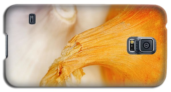 Galaxy S5 Case featuring the photograph Garlic And Onion by Nick  Biemans