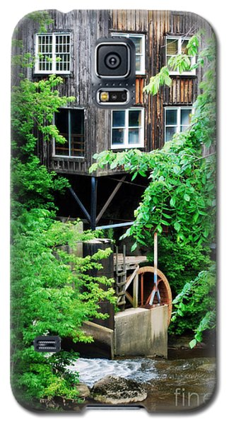 Galaxy S5 Case featuring the photograph Garrettsville Mill Water Wheel by Lila Fisher-Wenzel