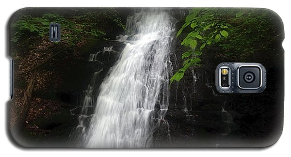 Galaxy S5 Case featuring the photograph Garvey Spring Falls by Debra Fedchin