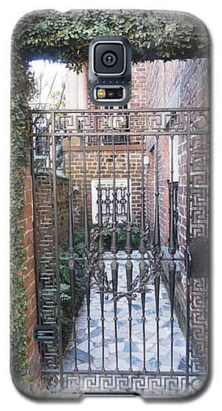 Gated Courtyard Galaxy S5 Case
