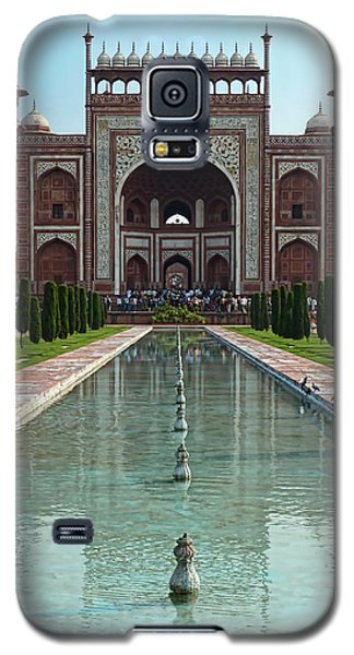 Galaxy S5 Case featuring the photograph Gateway To The Taj Mahal by Kim Andelkovic