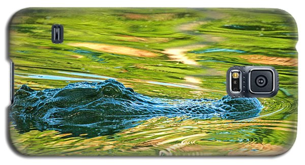 Galaxy S5 Case featuring the photograph Gator In Pond by Patricia Schaefer
