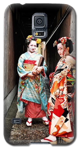 Galaxy S5 Case featuring the photograph Geisha Alley by John Swartz