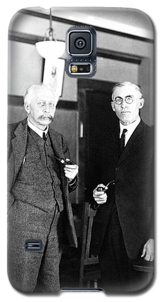 Geneticists Bateson And Emerson Galaxy S5 Case by American Philosophical Society