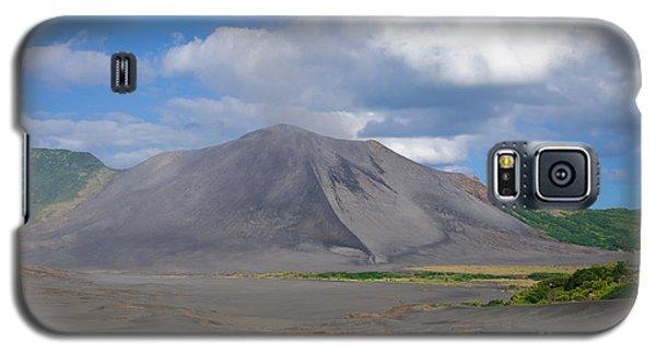 Gently Smoking Volcano Galaxy S5 Case