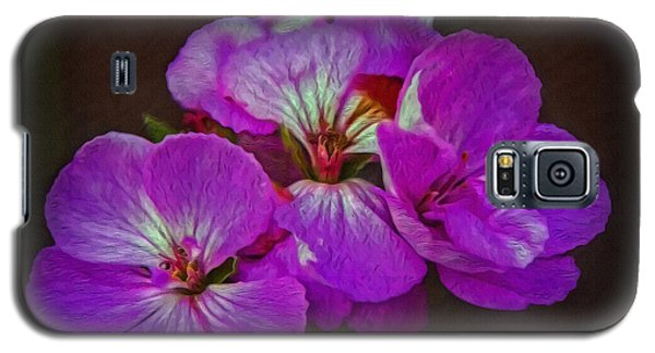 Galaxy S5 Case featuring the photograph Geranium Blossom by Hanny Heim