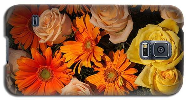 Gerber Daisy And Rose Background Galaxy S5 Case