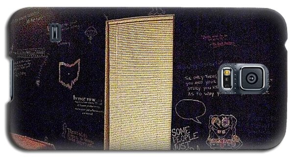 Motivational Galaxy S5 Case - Gettin' Cray On The #chalkboardwall by Joel Torres