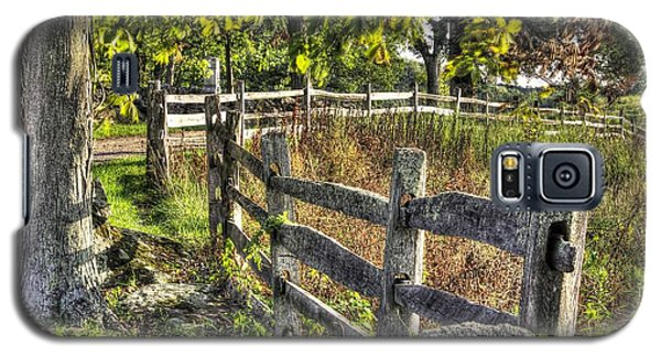 Galaxy S5 Case featuring the photograph Gettysburg At Rest - Late Summer Along The J. Weikert Farm Lane by Michael Mazaika