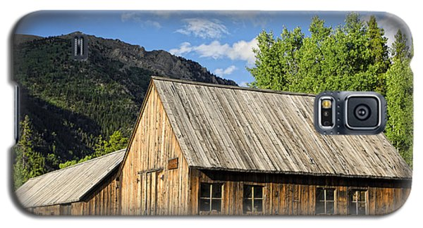 Galaxy S5 Case featuring the photograph Ghost Town Barn And Stable by Lincoln Rogers