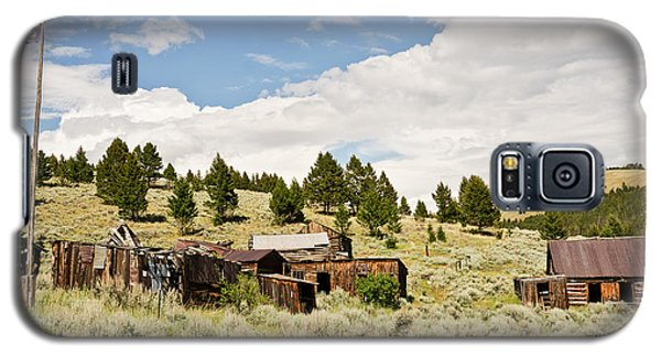 Galaxy S5 Case featuring the photograph Ghost Town In Summer by Sue Smith