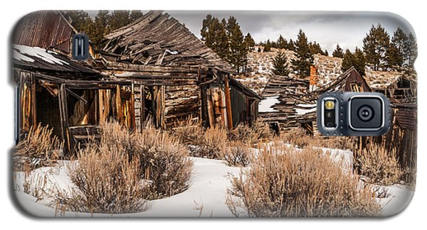 Galaxy S5 Case featuring the photograph Ghost Town by Sue Smith