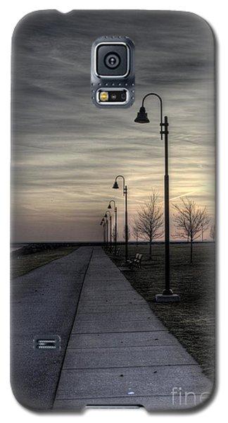 Ghostly Walkway Galaxy S5 Case