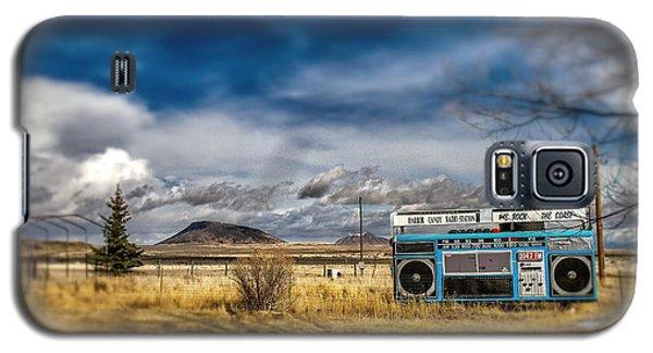 Giant Idaho Radio Tilt Shift Galaxy S5 Case by For Ninety One Days