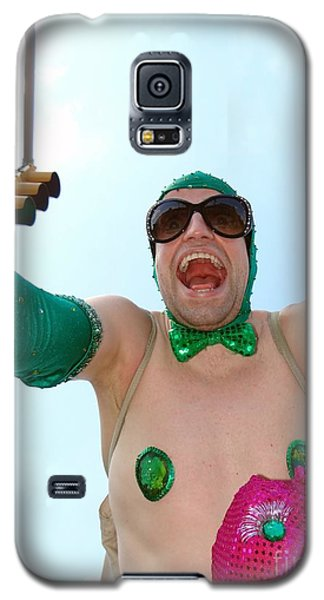 Galaxy S5 Case featuring the photograph Giant Smile by Ed Weidman