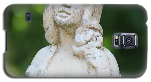 Galaxy S5 Case featuring the photograph Girl In The Garden Statue by Cynthia Snyder