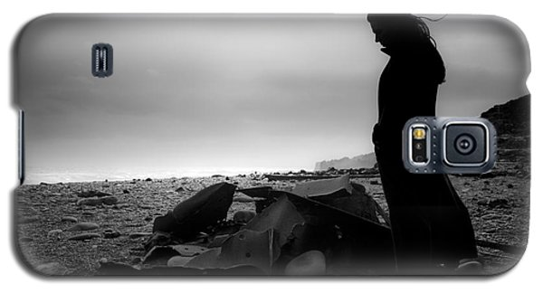 Girl On The Beach Galaxy S5 Case