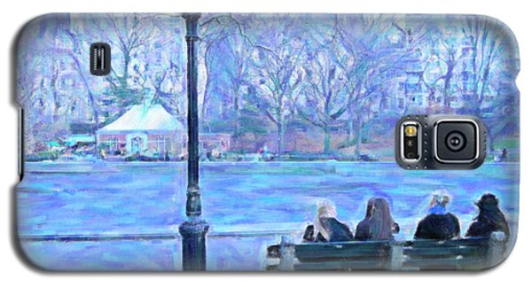 Girls At Pond In Central Park Galaxy S5 Case