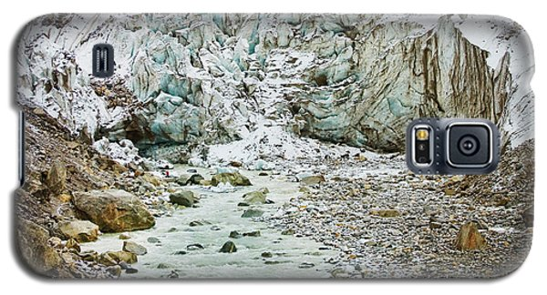 Glacier And River In Mountain Galaxy S5 Case