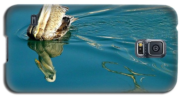 Galaxy S5 Case featuring the photograph Gliding by Clare Bevan