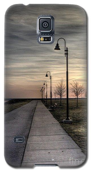 Gloomy Walkway Galaxy S5 Case