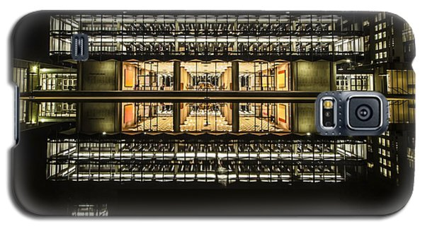 Glorious Modern Architecture At Night Galaxy S5 Case