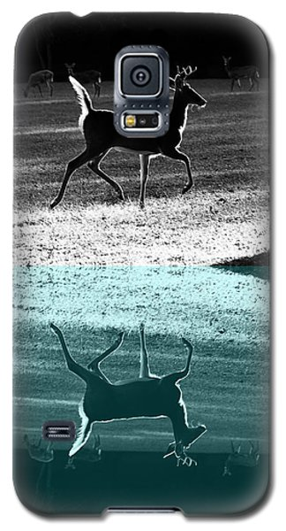 Glowing Buck Reflection Galaxy S5 Case