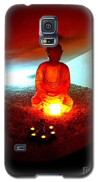 Galaxy S5 Case featuring the photograph Glowing Buddha by Linda Prewer