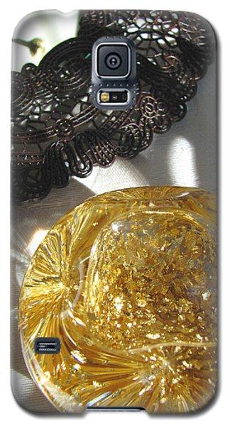 Galaxy S5 Case featuring the photograph Gold Ball And Frame by Brooks Garten Hauschild