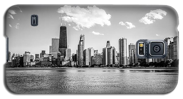 Gold Coast Skyline In Chicago Black And White Picture Galaxy S5 Case