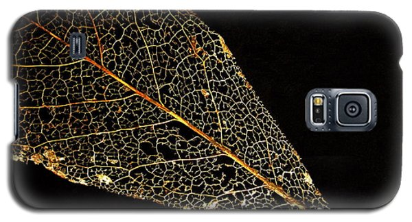 Galaxy S5 Case featuring the photograph Gold Leaf by Ann Horn