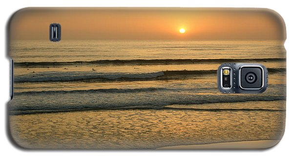 Golden California Sunset - Ocean Waves Sun And Surfers Galaxy S5 Case