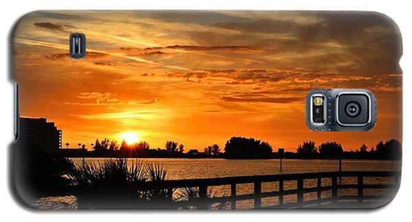 Galaxy S5 Case featuring the photograph Golden Christmas Sunset by Richard Zentner