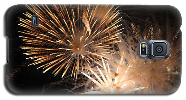 Galaxy S5 Case featuring the photograph Golden Fireworks by Rowana Ray