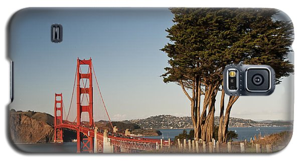 Galaxy S5 Case featuring the photograph Golden Gate Bridge 1 by Lee Kirchhevel