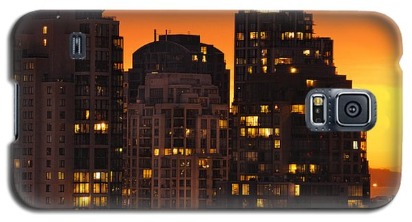 Galaxy S5 Case featuring the photograph Golden Orange Cityscape Dccc by Amyn Nasser
