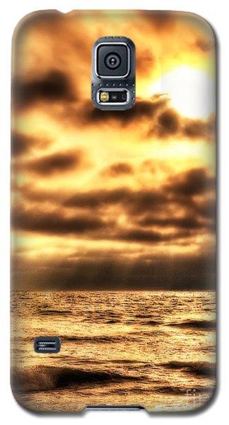 Golden Rays On The Ocean Galaxy S5 Case