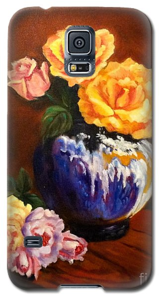 Galaxy S5 Case featuring the painting Golden Roses by Jenny Lee