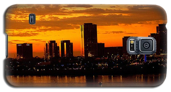 Golden Skys Cloak The Long Beach Skyline Galaxy S5 Case