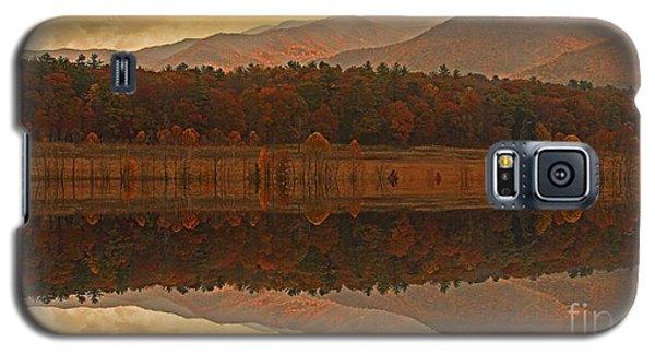 Galaxy S5 Case featuring the photograph Golden Splendor by Geraldine DeBoer