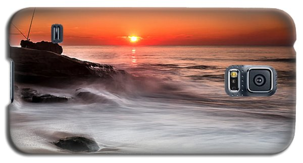 Galaxy S5 Case featuring the photograph Golden Sunset by Edgar Laureano